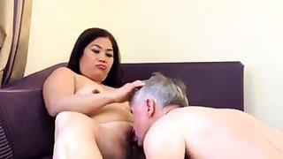 Amateur Asian MILF riding face