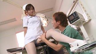 Simmering nurse Nono Mizusawa knows how concerning suck a hard dick properly
