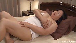 Heavy Japanese wife Yuuko Ishibashi opens say no to legs to be fucked