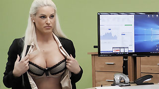 Biz young lady agree have hump for money