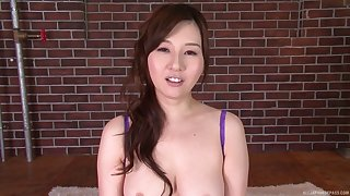 Yui Tatsumi knows how to suck the dick and wants to show us