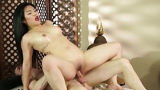 Beautiful Asian masseuse Nari Park enjoys having crazy sex with her client