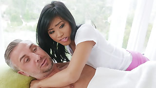 Chinese nubile entices a married man during rubdown