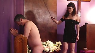 Naked plump buddy has to pray while being slapped by Audrey Noir